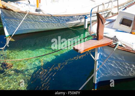 Barcos en el puerto de Cala Figueira, Mallorca