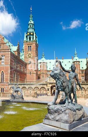 Fuente de Neptuno en el Castillo de Frederiksborg, Dinamarca