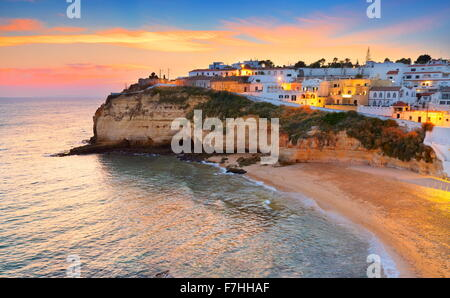 Costa de Algarve, Carvoeiro al atardecer, Portugal