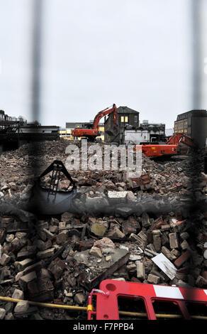 Brighton, Reino Unido 30 de noviembre de 2015 - trabajos de demolición se encuentra en el buen camino en el Viejo Mercado Municipal en Circo Street Brighton donde un nuevo centro cultural multimillonaria está previsto
