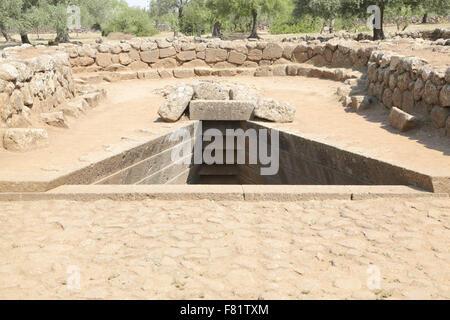 El pozo sagrado y el templo del complejo Nuragico di Santa Cristina