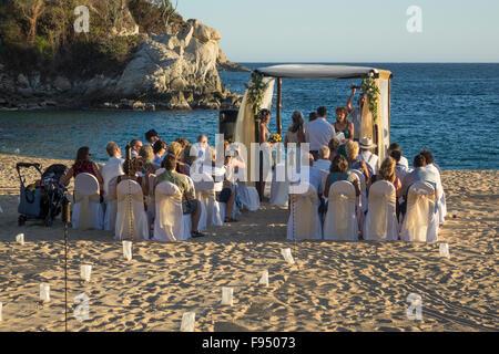 México. Tangolunda, Huatulco, Oaxaca, boda en la playa