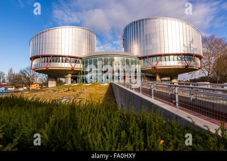 Edificio de la Corte Europea de Derechos Humanos en Estrasburgo, Alsacia, Francia