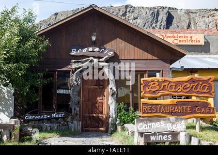 Braseria, restaurante y cafetería en El Chaltén, Patagonia, Argentina