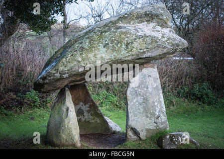 Carreg Coetan Arthur, Newport Pembrokeshire pequeño cromlech/Dolmen.