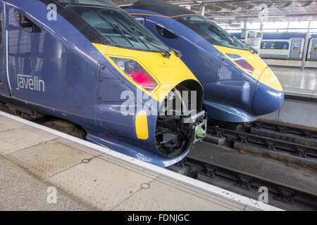 British Rail Class 395 por Hitachi en St Pancras Internacional, Londres, Reino Unido.
