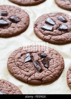 Vegan flowerless sin gluten galletas con trocitos de chocolate.