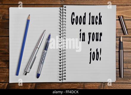Buena suerte en su trabajo escrito en portátiles
