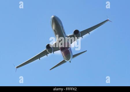 United Airlines Boeing 737-900 sobrecarga