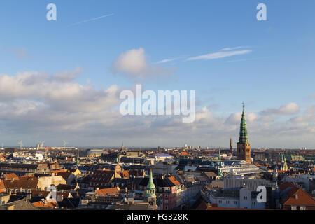 Copenhague, Dinamarca - Febrero 3, 2016: Vista de la ciudad desde la torre redonda.