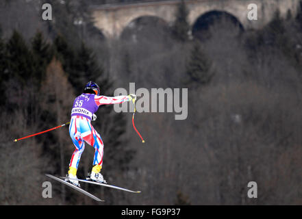 Mens Downhill Racer de esquí en el aire