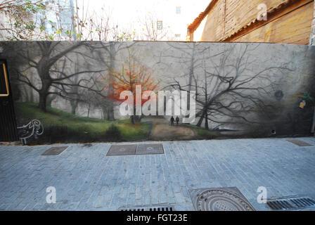 Las paredes cubiertas de graffiti en el Barrio del Carmen, Valencia, España