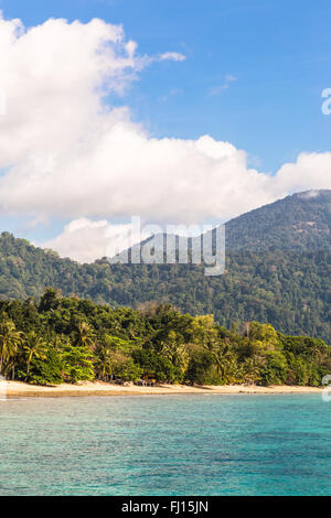 La isla de Tioman es un sorprendente isla tropical en la costa oriental de la península de Malasia. Foto de stock