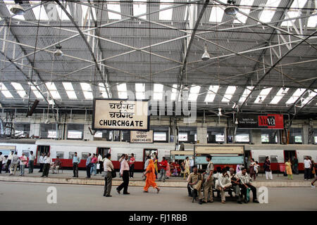 La estación de Churchgate en Mumbai, India Foto de stock