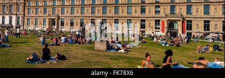 París, Francia, Coronas jóvenes disfrutando del clima cálido, Primavera escénica, en el Jardín de las Tullerías, 'Jardín de las Tullerías', 'Museo del Louvre', Vista panorámica, estatuas