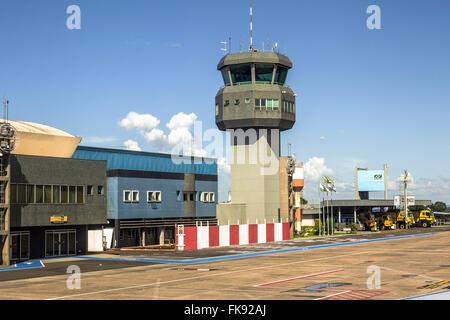 Torre de control del aeropuerto José Gobernador Richa