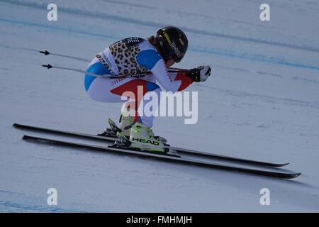 Lenzerheide, Suiza. 12 de marzo de 2016. Lara Gut (SUI) durante su run en el Ladies' Super G en el Audi FIS de la Copa del Mundo de Esquí en Lenzerheide. Crédito: Rolf Simeón/Alamy Live News.