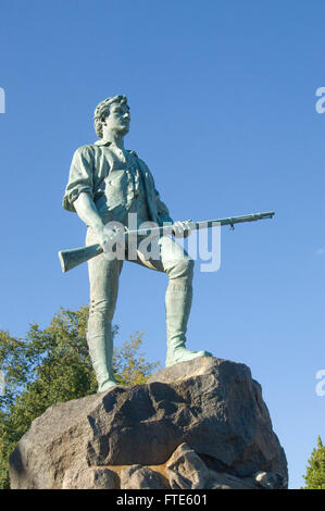 Estatua del capitán John Parker en la fuente conmemorativa de Hayes en Lexington, Massachusetts común por Henry Hudson Kitson