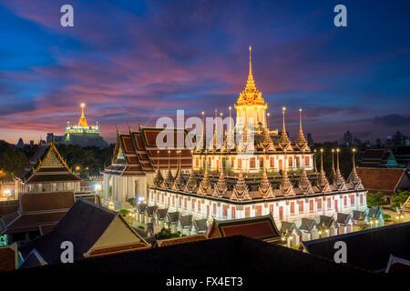 Hermoso templo Wat Ratchanadda en Bangkok, Tailandia Foto de stock