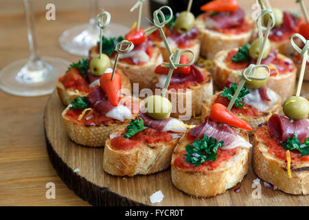 Pinchos, tapas, canapés, español parte finger food