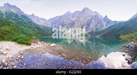 Vista panorámica del lago Morskie Oko, montañas Tatra, Polonia