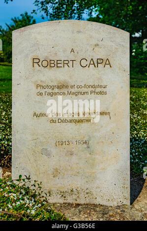 Bayeux, Calvados, Normandía, Francia - El Memorial Robert Capa. Capa desembarcó en el día D con las fuerzas americanas Foto de stock