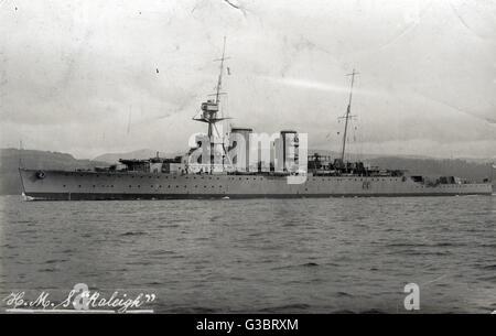 HMS Raleigh, British Hawkins clase HEAVY CRUISER. Fecha: circa 1920 Foto de stock
