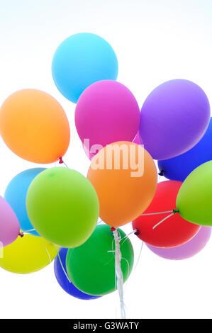 Montón de globos de colores Foto de stock