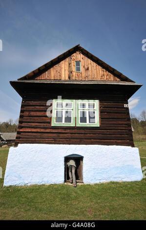 Antigua casa de registro desde el noreste de Eslovaquia