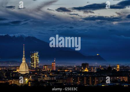 Turín (Torino) panorámica de alta definición con todo el horizonte de la ciudad