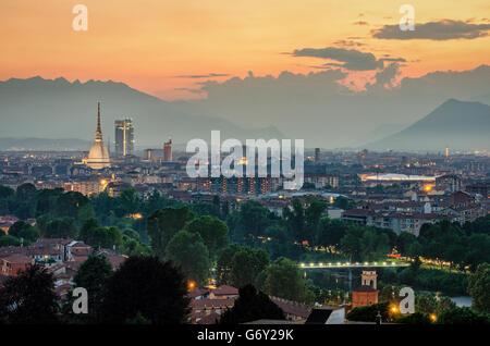Turín (Torino) de alta definición con la panorámica completa de la ciudad incluyendo la Mole Antonelliana