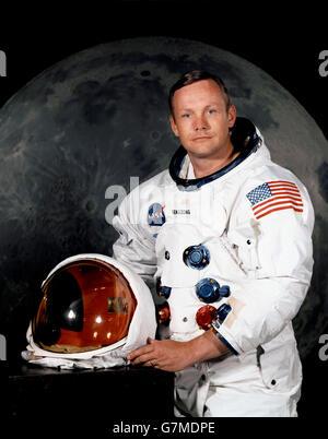 Neil Armstrong, el astronauta. Diario NASA retrato de Neil A. Armstrong, comandante del aterrizaje lunar del Apolo 11 y el primer hombre en caminar sobre la luna. Foto de stock