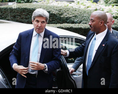 Bruselas, Bélgica. El 18 de julio, 2016. John Kerry, Secretaria de Estado de EE.UU. llega a la reunión del Consejo de Asuntos Exteriores que tiene lugar en el Consejo Europeo. Crédito: Leonardo Hugo Cavallo/Alamy Live News