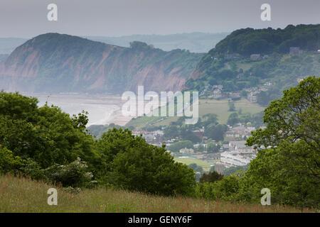 Reino Unido, Inglaterra, Devon, en Sidmouth, niveles elevados de vista desde la colina en Salcombe