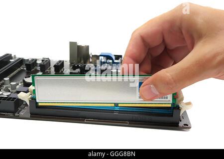 Instalación de un módulo de memoria en la placa base
