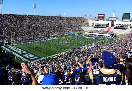 Los Angeles, California, EEUU. 13 Aug, 2016. Los Angeles Rams comienza contra los Dallas Cowboys en el Los Angeles Memorial Coliseum el sábado, 13 de agosto de 2016. (Foto por Keith Birmingham/ Pasadena Star-News) © San Gabriel Valley Tribune/Zuma alambre/Alamy Live News