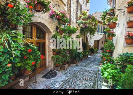 Spello y sus rincones y calles de las hermosas ciudades italianas en Italia.