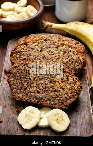 Rebanadas de pan de banana caseros
