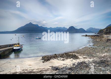 Los barcos pesqueros Ergol en la Isla de Skye en Escocia Foto de stock