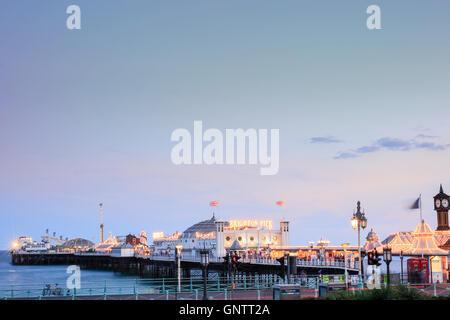 Brighton Pier (Palacio) en Brighton, East Sussex Foto de stock