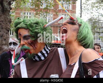 Londres, Reino Unido. 8 de octubre, 2016. Día Mundial del zombi de 2016, Londres, Reino Unido: Crédito Nastia M/Alamy Live News Foto de stock