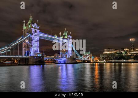 Tower Bridge, Londres, Inglaterra, Reino Unido.