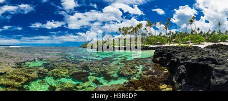 Arrecifes de coral ideales para bucear en el lado sur de Upolu, Samoa, Islas.