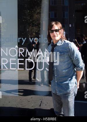 El actor Norman Reedus atiende Norman Reedus: un fino arte Fotografía Exposición en Voila! Galería de fotos el 22 de noviembre de 2015 en Los Ángeles, California, Estados Unidos.