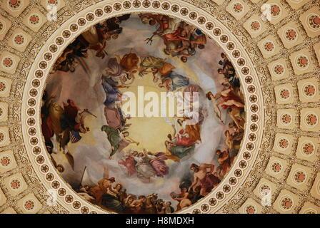 Apoteosis de Washington, el fresco del techo de la cúpula Capiotol Estados Unidos fue creada por Constantino Brumidi.