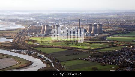 Vista aérea de Fiddlers Ferry Power Station, Widnes, REINO UNIDO