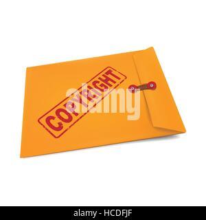 Copyright estampado en el sobre de papel manila aislado en blanco