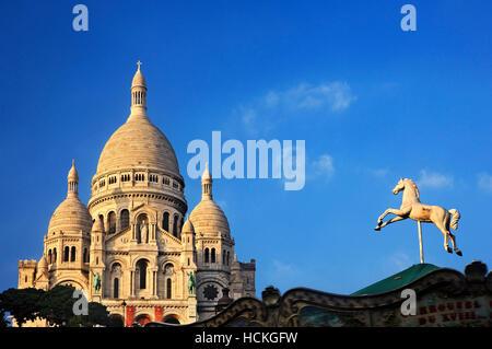 La basilique du Sacré-Coeur ('Basílica del Sagrado Corazón), simplemente conocido como 'Sacré-Coeur', Montmartre, Paris, Francia Foto de stock