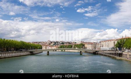 Lyon (Francia) Río Saone y Pont Alphonse Juin