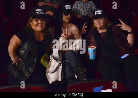 Los Angeles, Estados Unidos. 9 ene, 2017. La atmósfera en el 'Wayne's World' 25 Aniversario Mesa Redonda en los teatros en Pacific Grove, en Los Angeles, California. Crédito de la foto: Acceso/Alamy Live News